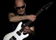 Satriani Doing His Legato Thing