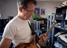 Jon Herington Interview on Oscar's Guitar Shop