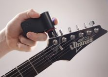 Tune Your Guitar Automatically With The New Roadie Tuner